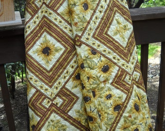 Country Quilt, Twin Quilt, Double Quilt, Sunflowers Quilt, Dorm Room Quilt, Lap Quilt, Yellow, Brown, Green Quilt, Handmade Quilt