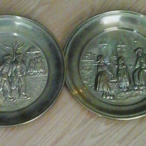 Vintage Brass Wall Plates, Vintage Brass plates Made in England, Brass Wall plates, Dutch Scenery, Set of Two Brass Wall Plates, #BuyVintage