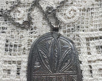 Vintage Bedouin Hand of Fatima Protection Silver Pendant