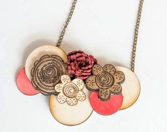 Wooden flower necklace / Wood red necklace / felt & wood necklace / Women wood bow tie / Girl wood bow tie / Girl cravat / Women tie /cravat