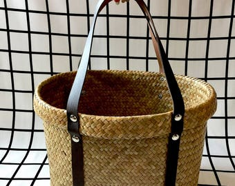 Small Natural Handwoven Oval Straw Basket,Wicker Oval Straw Basket with Leather Straps,French Straw Basket,Straw Basket Bag,Straw Beach Bag