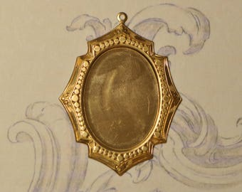 Art-Deco Style Portrait or Cabochon Pendant Setting Gold Toned Raw Brass 36V
