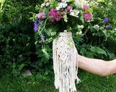 Macrame bouquet wrap, flower wrap, bouquet holder, boho wedding, wedding bouquet, wedding flowers, macrame wrap
