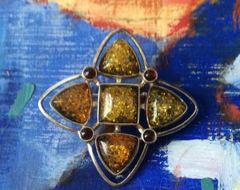Sterling Silver & Amber Brooch / Celtic Motif