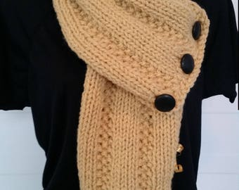 Beige and black scarf