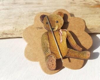 Needle minder Bear. Teddy bear needleminder. Cuddly bear needle saver Steiff Teddy bear. Teddy bear needle minder. Vintage bear needleminder