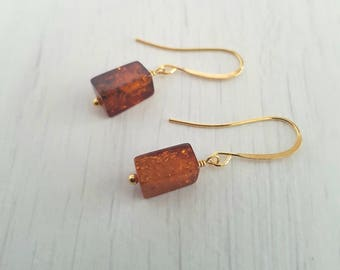 Amber, rectangular, wire wrapped, gold plated earrings.