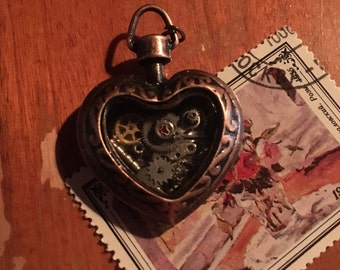 Steampunk Alloy Clockwork Heart necklace