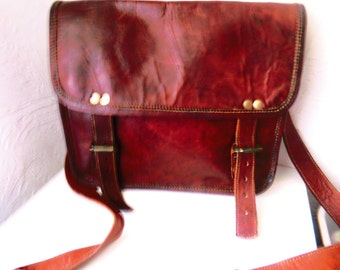For men or women's brown leather satchel / year 40