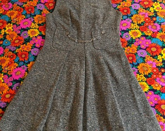 Vintage Black and White Wool Rainbow Flecks Tweed Sleeveless Pleated Mini Dress With Pockets and Accent Chain