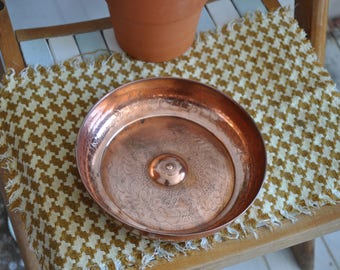 Copper tray/bowl with etched pattern. Perfect for jewellery storage, trinkets or plant.