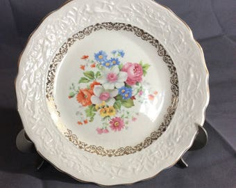 "Vintage Stetson Warranted 22 kt Gold Trimmed 9"" Dinner Plate Multicolored Floral China 636R Made in USA"