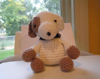 Puppy with collar, crocheted