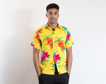 Vintage Hawaiian Shirt / Mens Small Button up Casual Short Sleeved Bright Yellow Floral Flower Summer Beach Shirt Made in USA