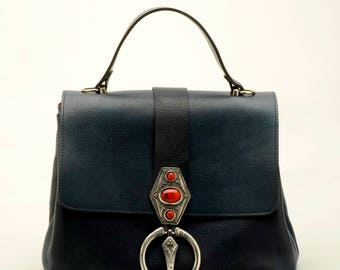 100% handmade in italy, leather bag purse in blue leather, vintage, handmade