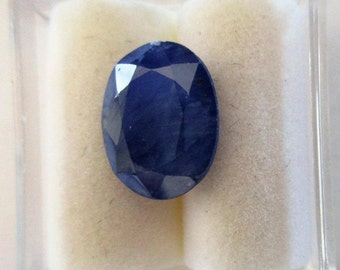 Blue Sapphire, 4.75 ct., unheated, certified natural gem with nice cut