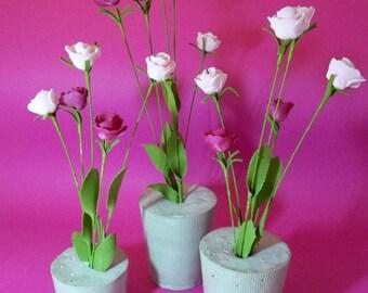 760 flowers in vases (3 units)