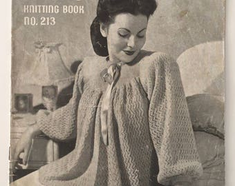 1940's Patons Knitting Pattern Book No.213 - 8 Lovely Patterns For Bed Jackets & Dressing Gowns - Free Postage In Australia