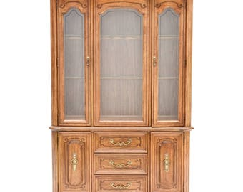 Stanley Furniture Walnut Stained China Cabinet Hutch