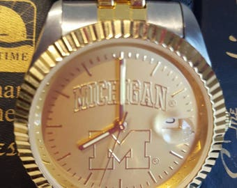 University of Michigan watch.  Sun time Executive edition.  U of M Wolverines, mens watch, stainless band, waterproof
