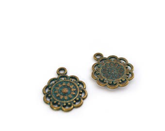 Set of 2 charms bronze and turquoise flowers