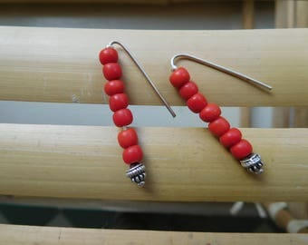 Weekly happiness red beaded earrings