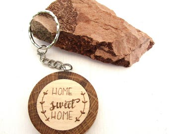 """""""Home sweet Home"""" key ring in oak and hazel wood from Trentino, Italy. Birthday gift, Communion, confirmation, marriage"""