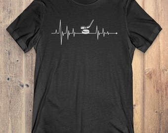 Hockey T-Shirt Gift: Heartbeat Hockey