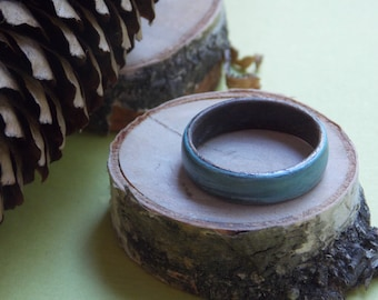 Wood Ring - Handcrafted Wooden Ring - Jatoba wood - Blue ash veneer - Size 7.5