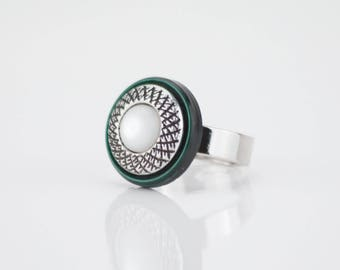 Vintage ring buttons old dark green silver and white Pearly #1431