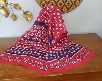 Gorgeous Retro Scarf, Floral, Spade Leaves