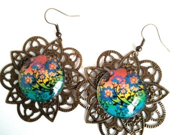 Earrings print with flower cabochon