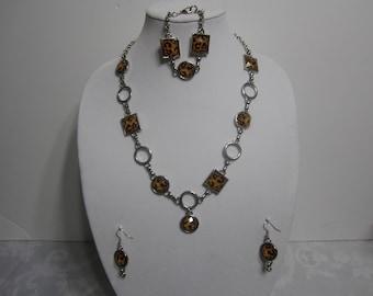 Handmade cheetah color pattern vintage Necklace set