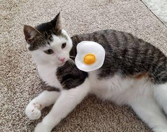 Fried Egg | Organic Catnip-Filled Cat Toy | Felt play food
