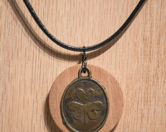 Aromatherapy Wood Necklace with Clover Charm