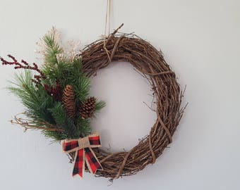 """14"""" Rustic Holiday/Winter Grapevine Wreath"""