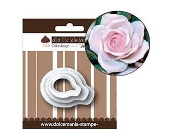 Set of cutter rose petals