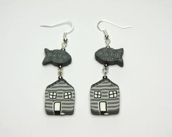 Fimo house and fish earrings, gray