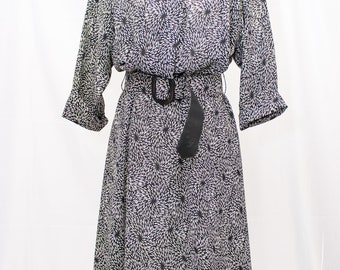 80's JB. TOO Black and white Belted Polyester Dress. Great 70's design.