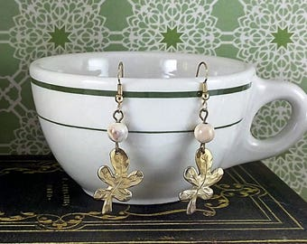 Vintage 1980's Leaf & Bead Earrings