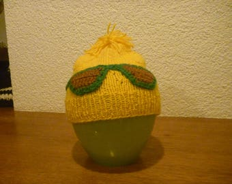 Knitted hat with sewn-on goggles 8-10 years