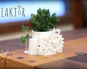 Planter Desk Gift, small plant pot, succulent planter, Air Plant holder, Airplant, 3D Printed planter, desk accessories, pot succulent small