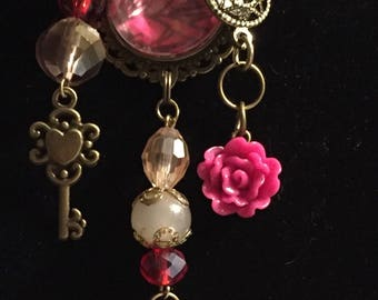 Pink Tones Vintage Look Necklace