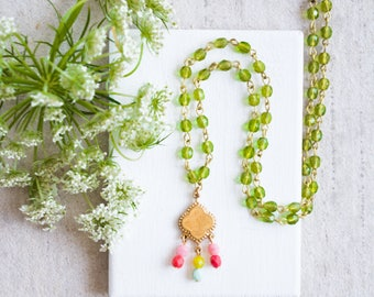 Colorful Bead Pendant Necklace, Green Bead Necklace, Tiny Bead Pendant Necklace, Boho Beaded Necklace, Boho Layering necklace