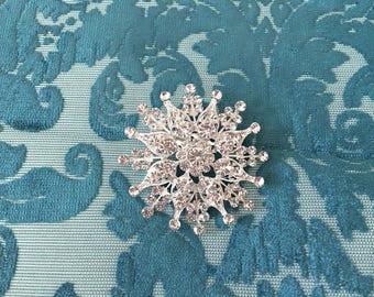 Rhinestone Bridal Brooch.Silver Rhinestone Brooch.Crystal Brooch.Broach.Rhinestone Pin.Wedding Accessory.Bride.Bridesmaid.Snowflake.Flower