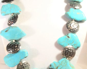 "21 1/2"" Turquoise Slab/Sterling Silver Hammered Bead Necklace"