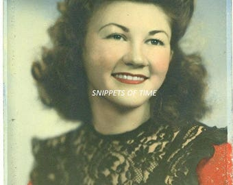 PRETTY BRUNETTE  5 x 7 Hand Tinted Colorized Portrait 1940s