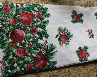 Long Vintage Christmas Fabric Table Cloth Red Green White Holiday 51x104 Tablecloth