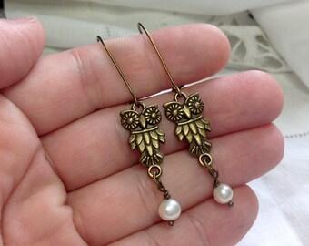 oO ULULO Oo brass and freshwater pearl earrings