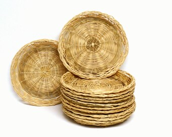 12 Piece Group of Wicker Basket Paper Plate Holders
